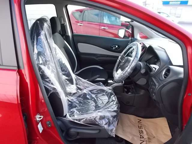 ホールドの良いフロントシートで快適にロングドライブ。