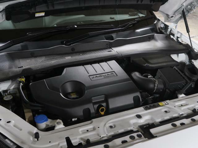◆2000CC ディーゼルエンジン【2000CCターボディーゼルエンジン 180馬力 力強いジャガーの走りをご体感ください。】