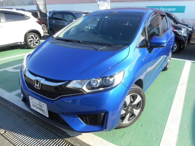 Honda Cars 熊本では、お客様に安全で快適なカーライフをお送りいただくために、中古車にも高いレベルの品質基準を設け、その基準に従って、全ての中古車について納車前整備を実施しています。