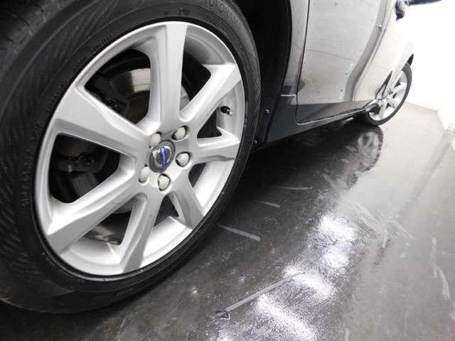★ボルボ、アウディ、フォルクスワーゲンに特化した技術でお客様をサポート致します。ナビゲーションやオーディオの取り付け、車検整備、鈑金塗装などのアフター修理も当専門店に是非お任せ下さい。