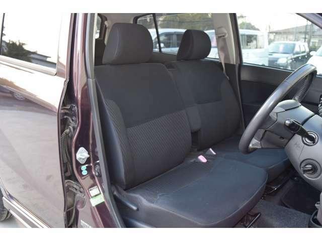 フロントシートの写真です。良好な状態を保っています。