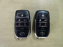 『スマートキー』を装備!鍵をポケットに入れたまま、鍵の開け閉めができてしまうなんて!すっごい便利!鍵穴どこだっけなぁ?・・・なんて事も無くなりますね。