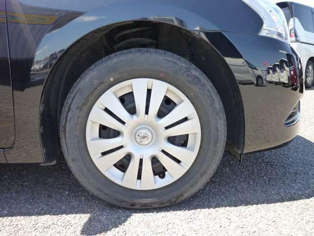 タイヤサイズ195/65R15 スペアタイヤ付です♪