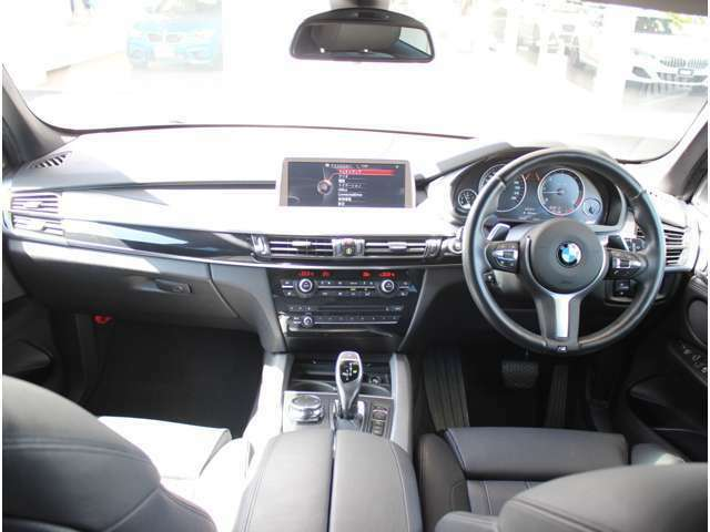 BMW正規ディーラー唯一の全国展開型ディーラーです。東京・名古屋・三重・福岡、全社合わせて200台以上の豊富な品揃え! お客様のご要望にお応えいたします。 ご連絡を心よりお待ちしております。