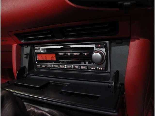 1DINオーディオ装備。音楽をかけながらドライブするのも楽しみの1つですよね!!