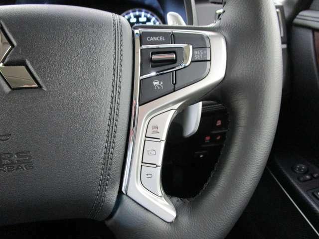 先行車の追従走行をサポートするレーダークルーズコントロールシステム装備