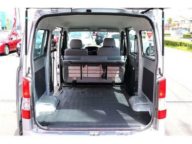 トランク★後部座席をしまうと奥行きがあり荷物をたくさんのせることができます!
