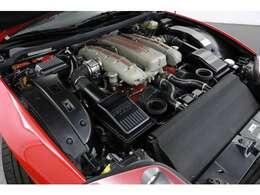 5.7L V型12気筒DOHC、515ps/60.0kgm  車名575は排気量5.75Lに由来し、Mは「Modificata」(改良)の頭文字で、エンジン、ギアボックス、インテリアなど車全体に改良が施されております。