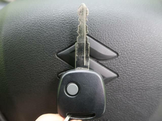 【キーレスエントリー】リモコンのボタン一つで鍵の開錠ができます!!