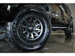 USA製FUEL17インチアルミ×マッドタイヤ285/70R17
