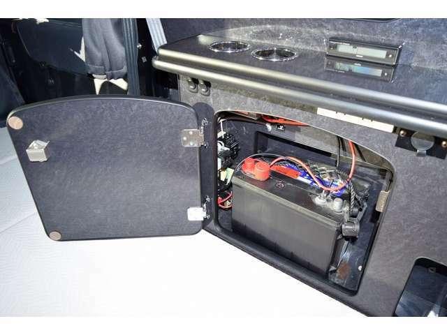 サブバッテリー、走行充電、外部電源付になります☆
