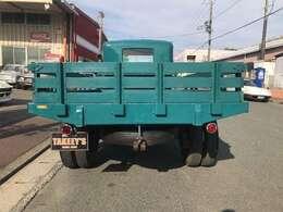 フォードPICKUP TRUCK入庫!動きます!後輪Wタイヤで珍しいです