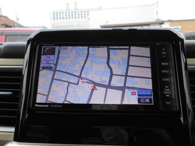 ストラーダCN-R330WDナビ/フルセグ/DVD再生/Bluetooth