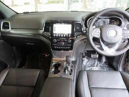 ローレンジ付き4WDセレクテレーンシステム 8速A/T