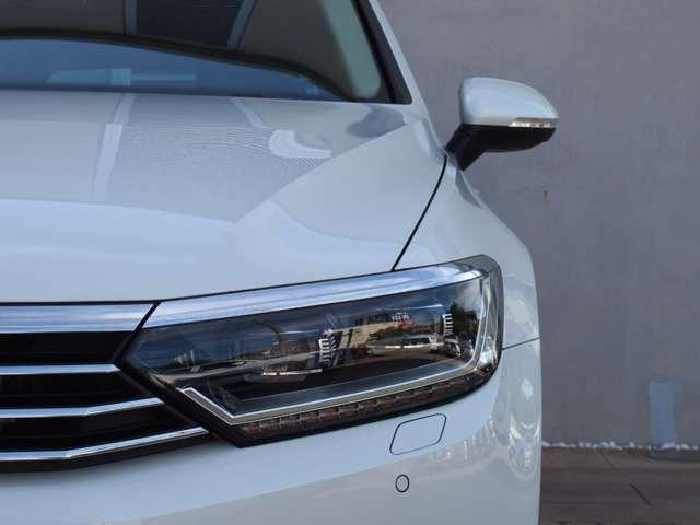 ■自然光に近い光が、より明るく夜道を照らしドライバーの疲労を減らします。