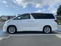 掲載以外にも多数在庫有まずはお電話下さい!!良質車を低価格で販売しております。泉北高速深井駅よりお電話頂ければお迎えにあがります。TEL:0722810880