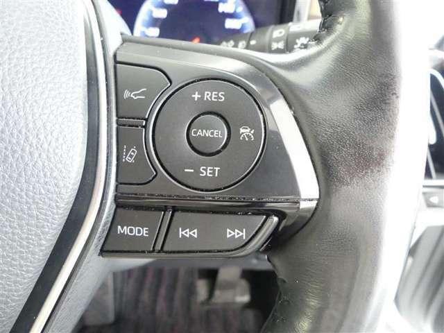 ステアリングスイッチって手元で操作出来てとっても安全ですね!