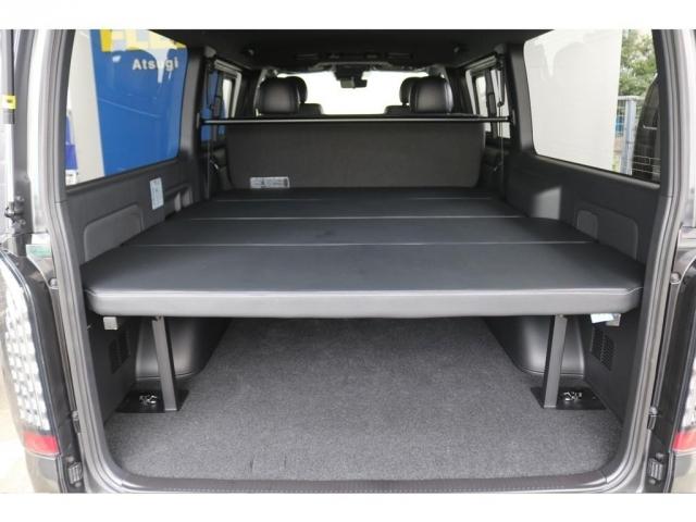 大容量の荷室にはオリジナルベットキットを搭載!いつでもお休みいただけます!