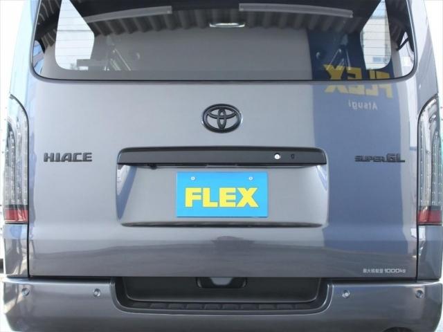 FLEXオリジナル煌きブラックLEDテール装着!リアもマットブラックのアクセントが効いて迫力があります!