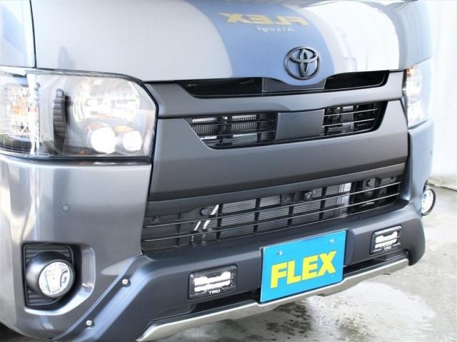 TRDオフロードバンパー装着!LEDのデイライトが存在感をアピールします!エンブレム、フロントグリルはマットブラック塗装済みです!