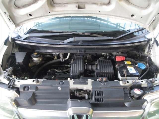 走行距離が伸びていますが、エンジンの調子は問題ありません。エンジンルーム内も綺麗に清掃済みです。