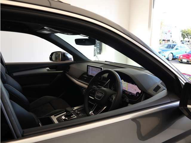 ■フロントシート フロントには運転席・助手席エアバック・サイドエアバック・カーテンエアバックを標準装備。(ESP)横滑り防止装備&ABS搭載で悪路や雨天時の安全性も高い一台です。