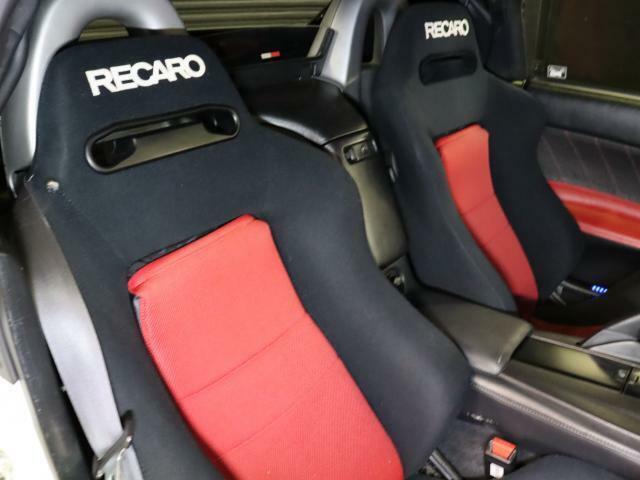 レカロセミバケットシート!ホールド性が良く長距離ドライブも快適です!