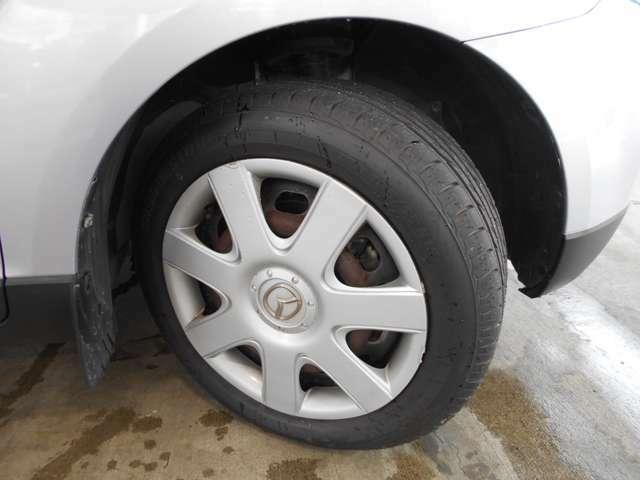 国家整備士常駐です。お車の点検・整備に関しては、お任せ下さい!!