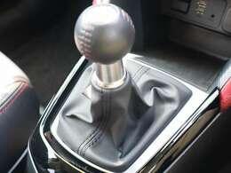 6MT車となっております☆軽快なディーゼルターボのフィーリングをご堪能下さい!