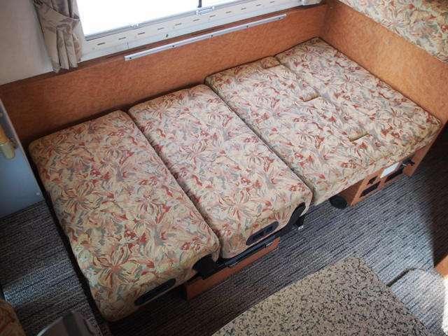 ダイネットベッド寸180cm×95cmとなります☆