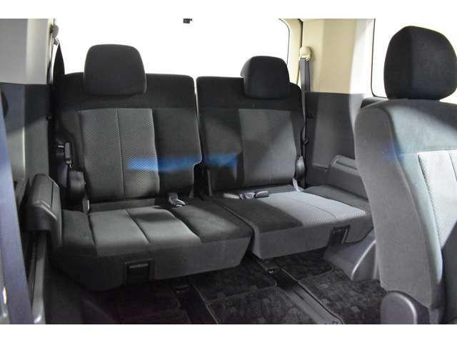サードシートにもゆとりの空間を提供!みんなで楽しいドライブを♪