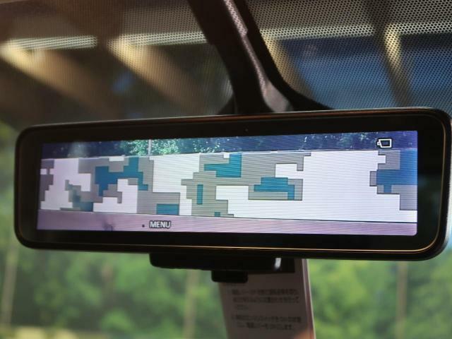 デジタルインナーミラー装備★車線変更の際に確認がしやすく安全です。