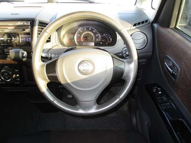 H24年 ルークス ハイウェイスターターボ 4WD 入庫しました。  エアB ABS ナビ CD DVD再生 Pスタート 両側PSD