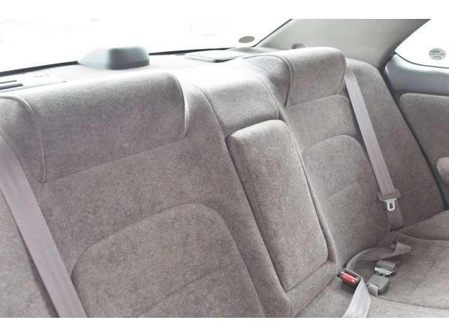 ルームクリーニング済みです。シートを丸洗いして車内の汚れをスッキリ落とし清潔な車内空間を作り出しています