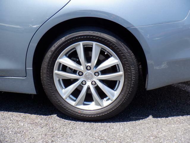 タイヤの溝もまだまだありますよ!