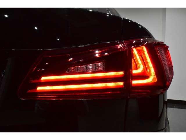 ☆LEDファイバーテールライト装備車!【LEDファイバーテールライトはハロゲンライトに比べ夜間の視認性にとても優れており、快適かつ安全なカーライフをお楽しみ頂けると思います!】☆