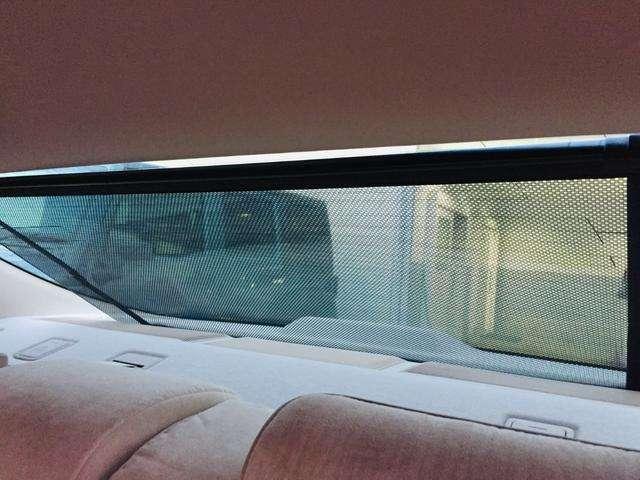 【サンシェード】車内が太陽の光で温度がどんどん上昇してしまうことを防いでくれる便利なアイテムです!