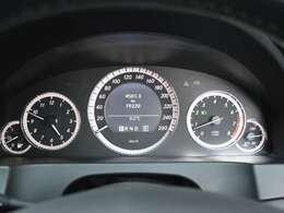 実走行「79,220km」警告灯の点灯などなく機関良好です。