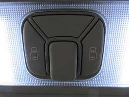 両側パワースライドドア付き♪ 天井部にスイッチが装着されております♪ 操作性もよく、人気の装備となります♪