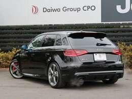 弊社グループ会社BMW正規販売代理店よりお下取りで入庫いたしました。「出どころがハッキリしている。」ワンオーナーの Audi RS3 です。 0066-9711-024204 までお気軽にご連絡ください。