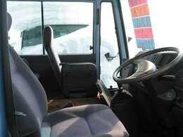 商用車・バン・トラック・バスコーナー!働く車達たくさん揃ってます!!地方の方・本州の方も気になるお車ありましたら、お気軽にお問い合わせご相談ください!!お越しの際は連絡頂けると幸いです。
