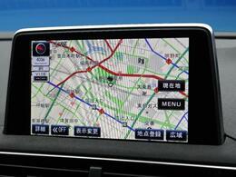 ●純正ナビ:オプション装備のナビゲーションは、高級感のある車内を演出させます!タッチスクリーンを採用しており、捜査も楽々です。