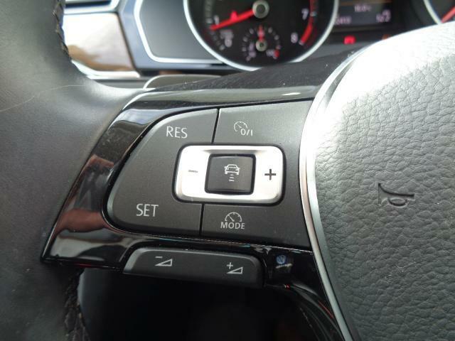 ACC(前車追従式クルーズコントロール)で高速巡行も楽にこなします。