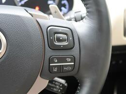 ●プリクラッシュセーフティシステム:進路上の先行車や障害物などをミリ波レーダーで検出し、衝突する可能性が高いと判断した場合に警報やブレーキの制御により衝突回避を支援します。