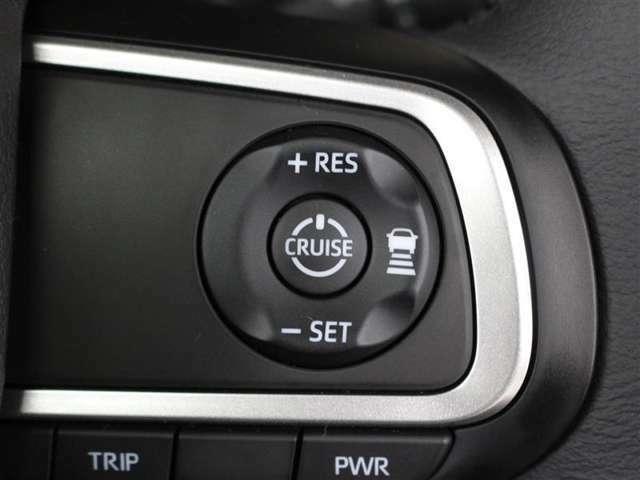 走りたいスピードでセットすれば一定速度で走行が出来るクルーズコントロール付き!高速道路でのドライブが快適になりますね♪