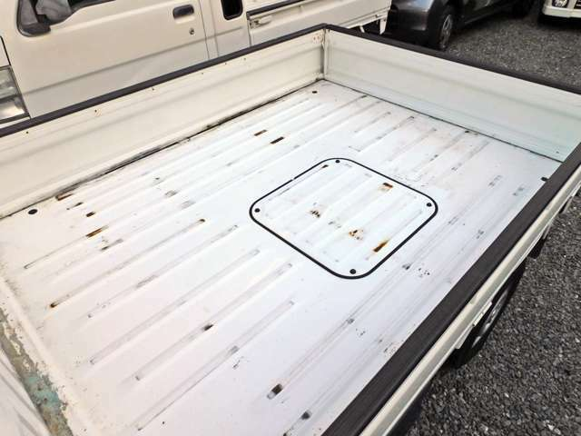 荷台は使用感あります。現車にてご確認ください。