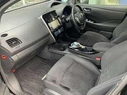 前列シートは、しっかりとしたシートで、ドライバーの疲労軽減に!!長距離もらくらく