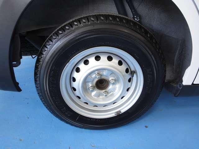 タイヤ・ホイールも綺麗に磨き上げられています!