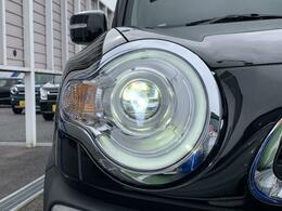 LEDヘッドランプ装備☆明るいライトで視界良好!夜のドライブも楽しめますね☆