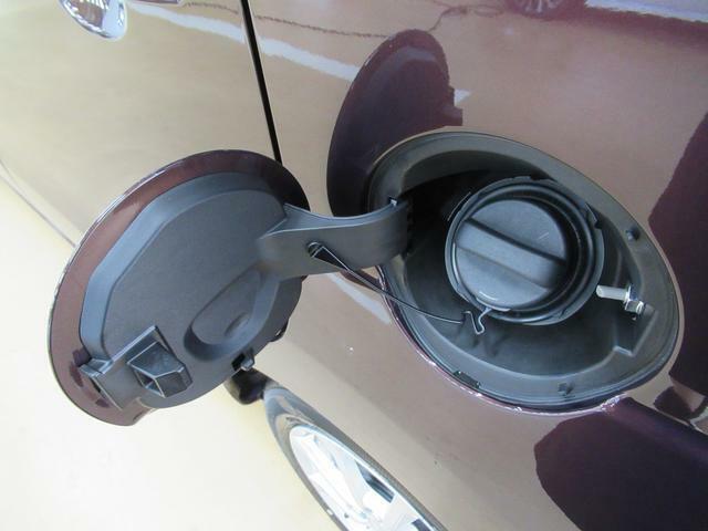 たとえばダイハツのお店にある、たくさんのスマアシ搭載車は、正常に作動する事をしっかり確認します。